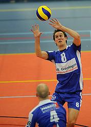 12-02-2011 VOLLEYBAL: AB GRONINGEN/LYCURGUS - DRAISMA DYNAMO: GRONINGEN<br /> In een bomvol Alfa-college Sportcentrum werd Dynamo met 3-2 (25-27, 23-25, 25-19, 25-23 en 16-14) verslagen door Lycurgus / Ron van Steen<br /> ©2011-WWW.FOTOHOOGENDOORN.NL