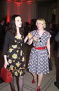 Alice ( black dress) and Judy Skidmore. Creative Industries 150th Anniversary. V. & A. 16 May 2002. © Copyright Photograph by Dafydd Jones 66 Stockwell Park Rd. London SW9 0DA Tel 020 7733 0108 www.dafjones.com