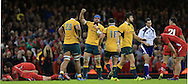 Australian players celebrate the win during the International Test Match match at the Millennium Stadium, Cardiff<br /> Picture by Michael Whitefoot/Focus Images Ltd 07969 898192<br /> 08/11/2014