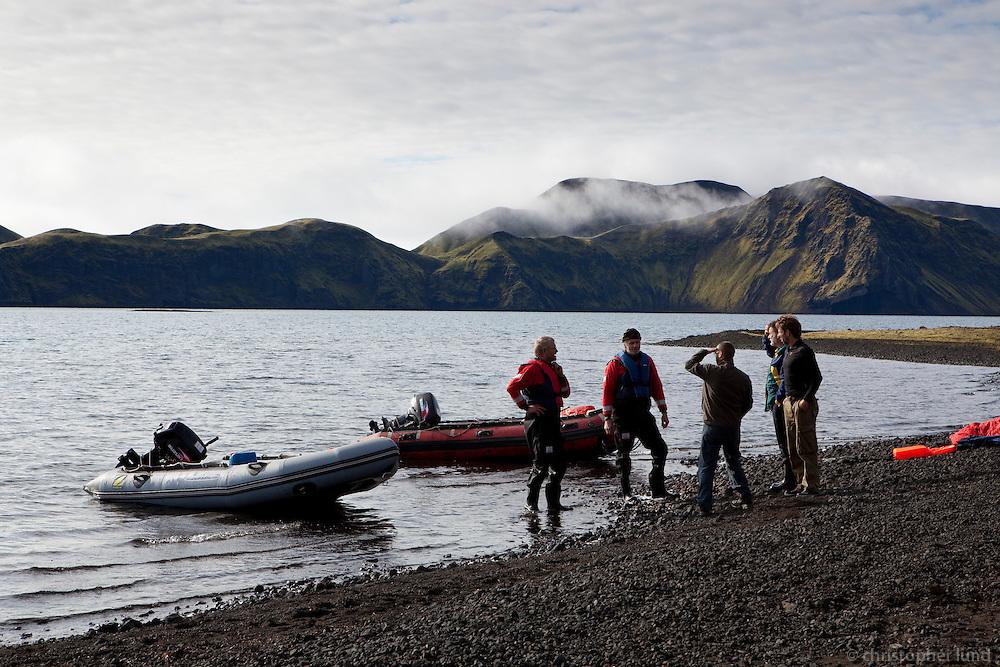 Meðlimir úr Björgunarsveitinni Stjarna við Streðvík í Langasjó.