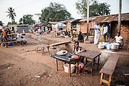 Repubblica Democratica del Congo e Repubblica Centrafricana, 2012<br /> Lavorare in Africa<br /> Venditori ambulanti di Bangui, RCA<br /> <br /> Democratic Republic of Congo and Central African Republic, 2012<br /> Working in Africa<br /> Pitchmen in Bangui, CAR