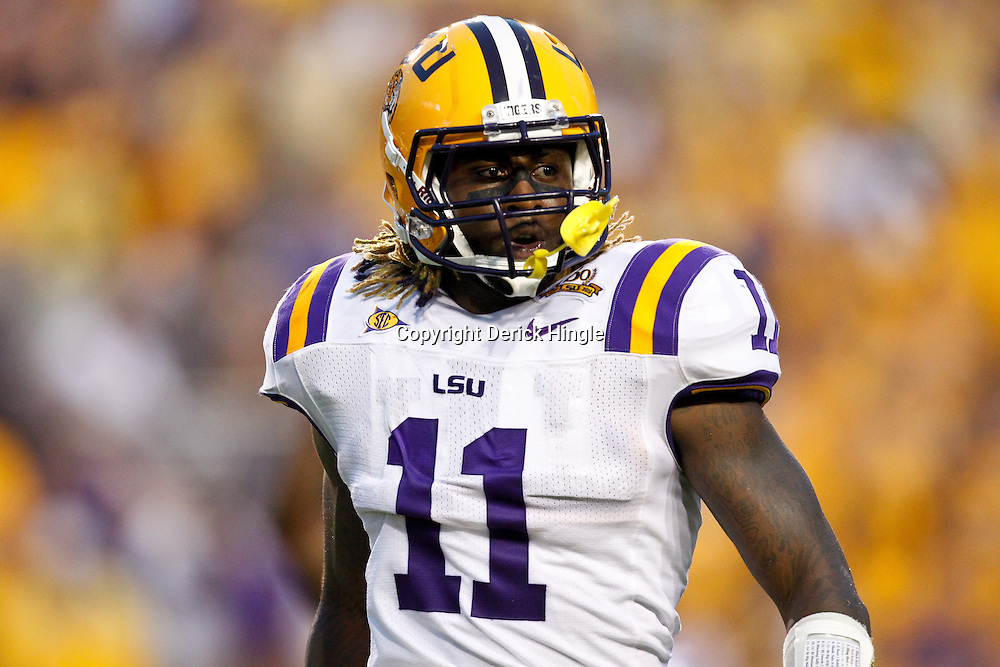 Sep 18, 2010; Baton Rouge, LA, USA; LSU Tigers linebacker Kelvin Sheppard (11) during the first half against the Mississippi State Bulldogs at Tiger Stadium.  Mandatory Credit: Derick E. Hingle