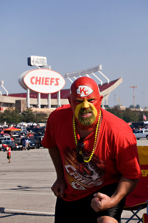 KANSAS CITY, MO - SEPTEMBER 28:   Kansas City Chiefs fan Cap'n Ron tailgating before a game against the Denver Broncos at Arrowhead Stadium on September 28, 2008 in Kansas City, Missouri.  The Chiefs defeated the Broncos 33-19.  (Photo by Wesley Hitt/Getty Images) *** Local Caption ***
