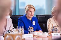 14 MAR 2018, BERLIN/GERMANY:<br /> Franziska Giffey, SPD, Bundesministerin fuer Familie, Senioren, Frauen und Jugend, vor Beginn der ersten Sitzung des Kabinetts Merkel IV, Kabinettsaal, Bundeskanzleramt<br /> IMAGE: 20180314-02-017<br /> KEYWORDS: Kabinett, Kabinettsitzung, Sitzung,, neues Kabinett
