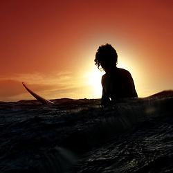 Registro feito em frente ao Parque Estadual Paulo César Vinha, em Guarapari, um dos principais locais de encontro de surfistas do Espírito Santo. Essa foto tirada pelo fotógrafo Leonardo Merçon, é uma homenagem a todas essas pessoas que normalmente são bem antenadas com a preservação dos locais que utilizam.