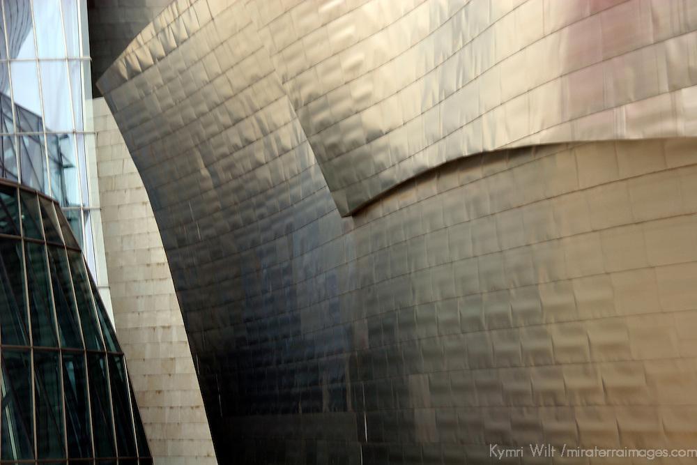 Europe, Spain, Bilbao. The Guggenheim Museum Bilbao.