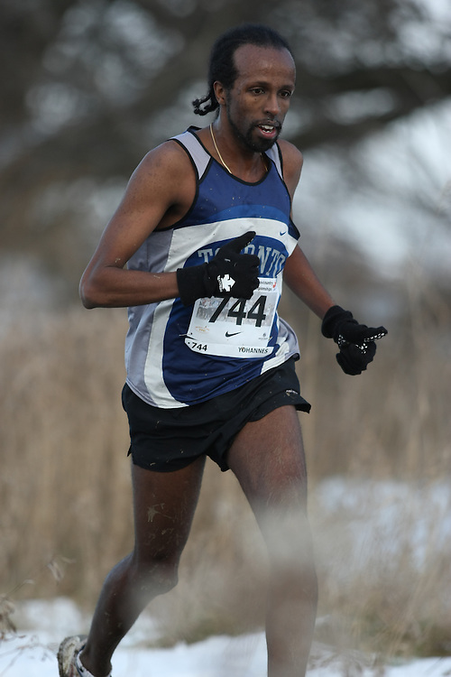 Guelph, Ontario ---29/11/08---  SELAM YOHANNES competes in the senior men's race at the 2008 AGSI Canadian Cross Country Championships in Guelph, Ontario, November 29, 2008..Sean Burges Mundo Sport Images