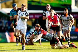 Callum Sheedy of Bristol Bears breaks through a gap on his way to scoring a try - Mandatory by-line: Robbie Stephenson/JMP - 23/02/2019 - RUGBY - Twickenham Stoop - London, England - Harlequins v Bristol Bears - Gallagher Premiership Rugby