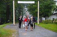 © MEDIArt | Andreas Uher; Primizfeier, Berno Laesser, Feier der Primiz, Festgottesdienst in der Pfarrkirche St. Laurentius und St. Katharina in Sulzberg; Primizprediger: H.H. Dr. Christoph Binninger; Eucharistische Prozession zur Falzkapelle; Dankandacht vor der Mariengrotte der Falzkapelle mit Erteilung des Einzelprimizsegens;