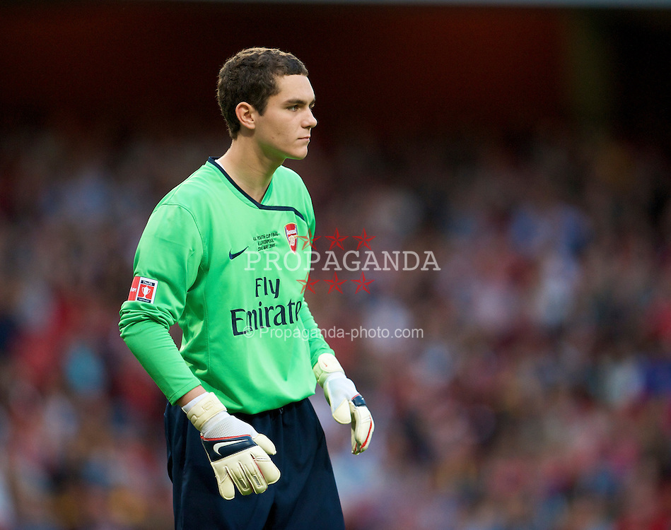LONDON, ENGLAND - Friday, May 22, 2009: Arsenal's goalkeeper James Shea in action during the FA Youth Cup Final 1st Leg match at the Emirates Stadium. (Photo by David Rawcliffe/Propaganda)