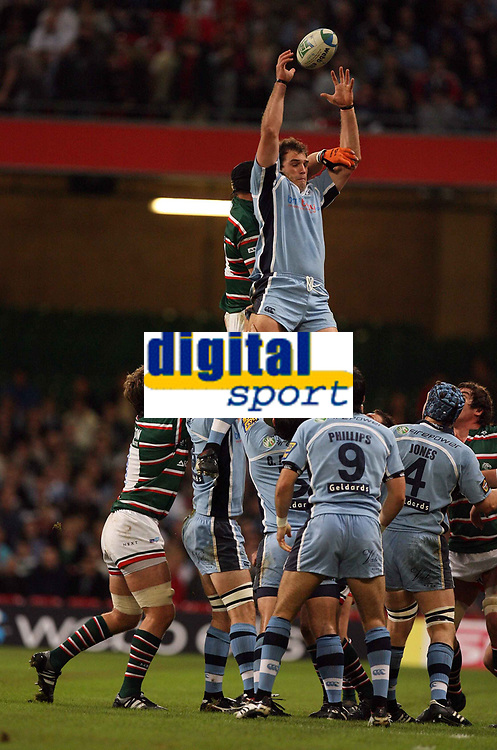 Photo: Rich Eaton.<br /> <br /> Cardiff Blues v Leicester Tigers. Heineken Cup. 29/10/2006. Robert Sidoli of Cardiff wins lineout ball