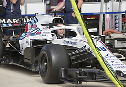 October 21, 2018 - Austin, USA - A member of the Williams Martini Racing team runs through pre-race checks before the start of the Formula 1 U.S. Grand Prix at the Circuit of the Americas in Austin, Texas on Sunday, Oct. 21, 2018. (Credit Image: © Scott Coleman/ZUMA Wire)
