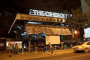 The Cineroleum. A pop-up cinema built by a collective of artists, designers and architects on the site of a derelict garage. 100 Clerkenwell Rd. London. 11 September 2010. -DO NOT ARCHIVE-© Copyright Photograph by Dafydd Jones. 248 Clapham Rd. London SW9 0PZ. Tel 0207 820 0771. www.dafjones.com.