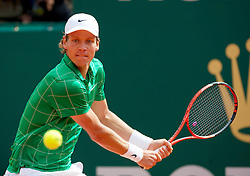 MONTE-CARLO, MONACO - Monday, April 12, 2010: Tomas Berdych (CZE) in action during the 1st Round match at the ATP Masters Series Monte-Carlo at the Monte-Carlo Country Club. (Photo by David Rawcliffe/Propaganda)
