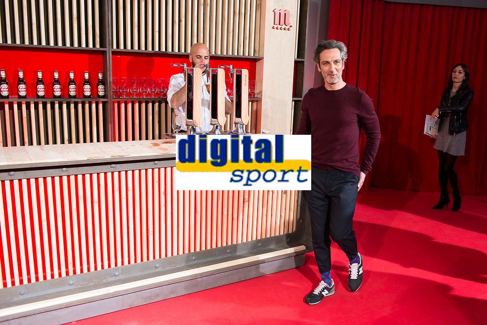 Actor Ernesto Alterio during the presentation of the new spot of  Mahou 5 Estrellas at Capitol Cinemas in Madrid. March 29, 2016. (ALTERPHOTOS/Borja B.Hojas)