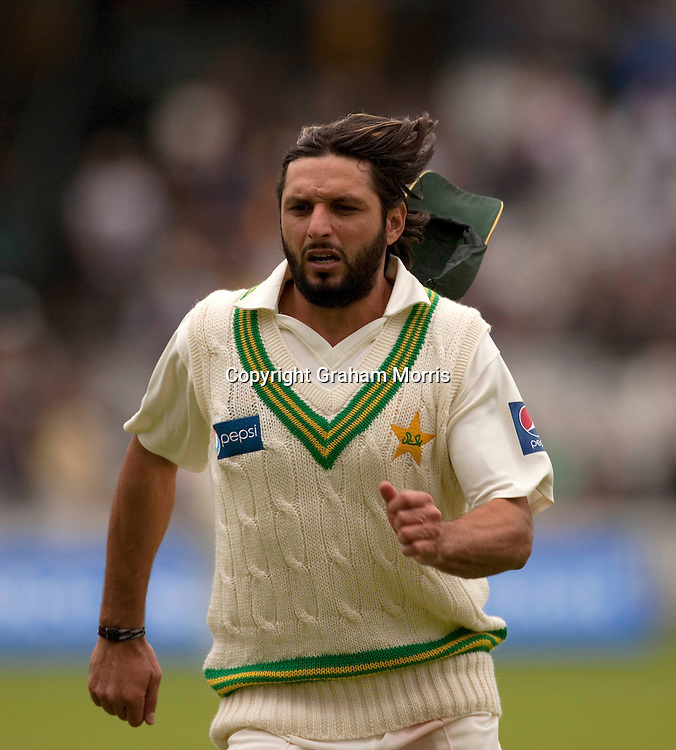 Captain Shahid Afridi chases the ball during the MCC Spirit of Cricket Test Match between Pakistan and Australia at Lord's.  Photo: Graham Morris (Tel: +44(0)20 8969 4192 Email: sales@cricketpix.com) 13/07/10