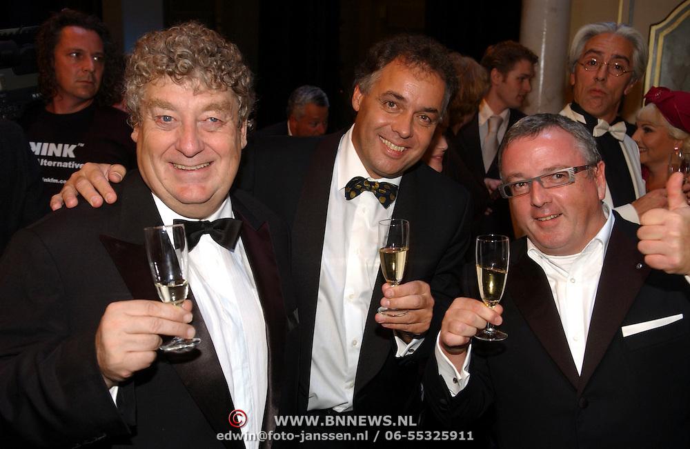 NLD/Tilburg/20051023 - Premiere musical Annie, Tony Eyk, Aad Ouborg en Felipe