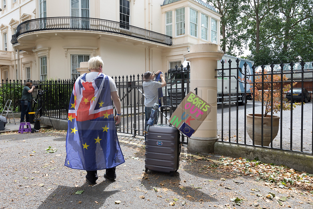 © Licensed to London News Pictures. 30/07/2018. London, UK.  Removal van leaves the Foreign Secretary's official residence at Carlton Gardens in central London where the former Foreign Secretary, Boris Johnson is moving out following his resignation.  Photo credit: Vickie Flores/LNP