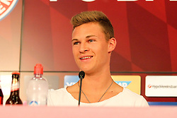 11.07.2015, Alianz Arena, Muenchen, GER, 1. FBL, FC Bayern Muenchen, Teampräsentation, Pressekonferenz, im Bild Joshua Kimmich #32 (FC Bayern Muenchen) gut gelaunt bei der Pressekonferenz // during press conference for the Teampresentation of German Bundesliga Club FC Bayern Munich at the Alianz Arena in Muenchen, Germany on 2015/07/11. EXPA Pictures © 2015, PhotoCredit: EXPA/ Eibner-Pressefoto/ Kolbert<br /> <br /> *****ATTENTION - OUT of GER*****