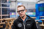 Bernhard van Oranje, initiatiefnemer van Lymph&amp;Co, heeft vandaag bekend gemaakt dat Lymph&amp;Co en het Van<br /> Vlissingen Lymfoom Fonds fuseren en verder gaan onder de naam Lymph&amp;Co.<br /> <br /> Op de foto:  Prins Bernhard van Oranje