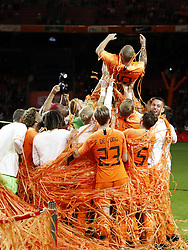 (L-R) Tonny Vilhena of Holland, Nathan Ake of Holland, Ryan Babel of Holland, Ryan Babel of Holland, Donny van de Beek of Holland, Frenkie de Jong of Holland, Wesley Sneijder of Holland, Daley Blind of Holland, Stefan de Vrij of Holland during the International friendly match match between The Netherlands and Peru at the Johan Cruijff Arena on September 06, 2018 in Amsterdam, The Netherlands
