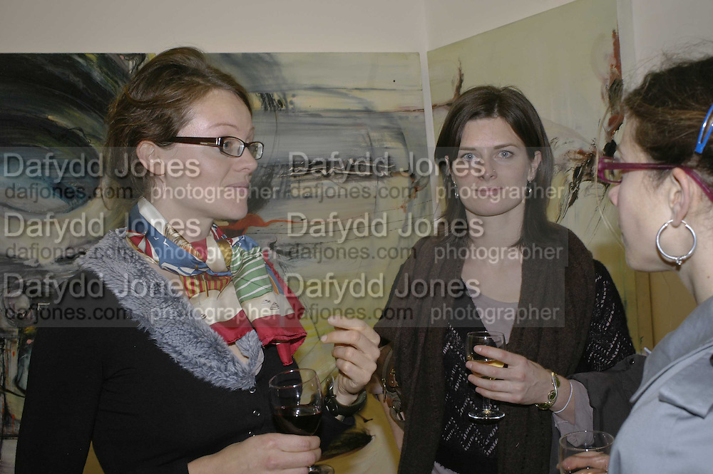 Geraldine Cox and Romily Meredith, Size Matters, Nessie Stonebridge private view. Madder Rose. Whitecross st. London EC1. ONE TIME USE ONLY - DO NOT ARCHIVE  © Copyright Photograph by Dafydd Jones 248 CLAPHAM PARK RD. LONDON SW90PZ.  Tel 020 7733 0108 www.dafjones.com