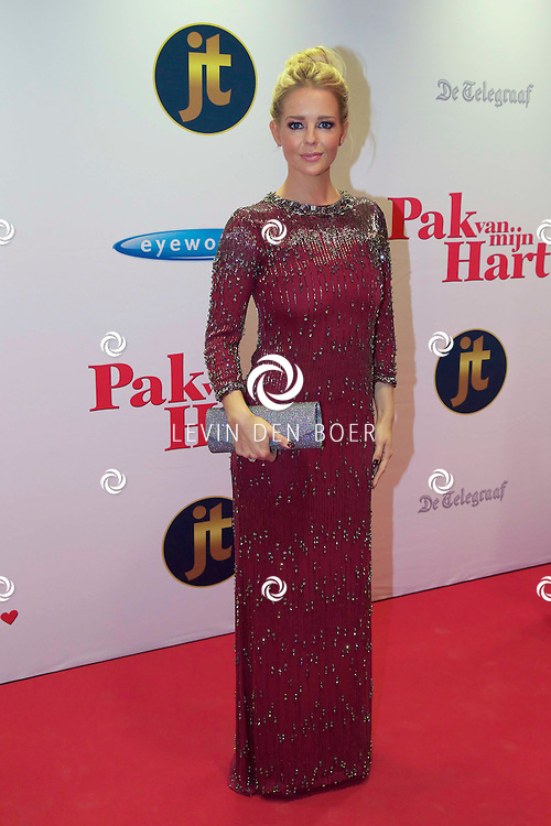 HILVERSUM - In de nieuwe JT Bioscoop is de eerste film 'Pak van mijn Hart' in premiere gegaan. Met hier op de foto  Chantal Janzen. FOTO LEVIN DEN BOER - PERSFOTO.NU