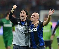 FUSSBALL INTERNATIONAL   SERIE A   SAISON  2012/2013   7. Spieltag AC Mailand  - Inter Mailand                     07.10.2011 SCHLUSSJUBEL Inter; Diego Milito (li) und Esteban Cambiasso