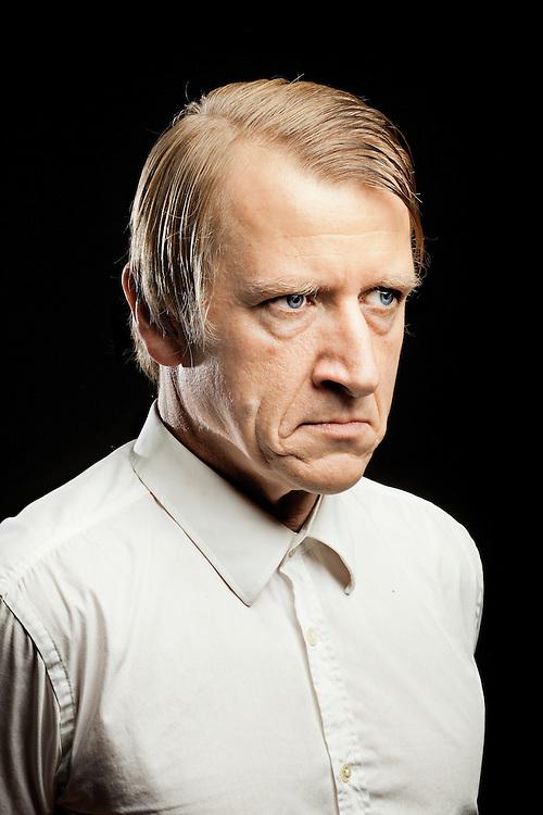 Skuespiller Jens Albinus til Mig og mit fjaes. Jens fortæller til Søndagsavisen, at han har tyske gener i sin familie og han synes også selv, at han ligner en tysker med sit lange ansigt og store næse