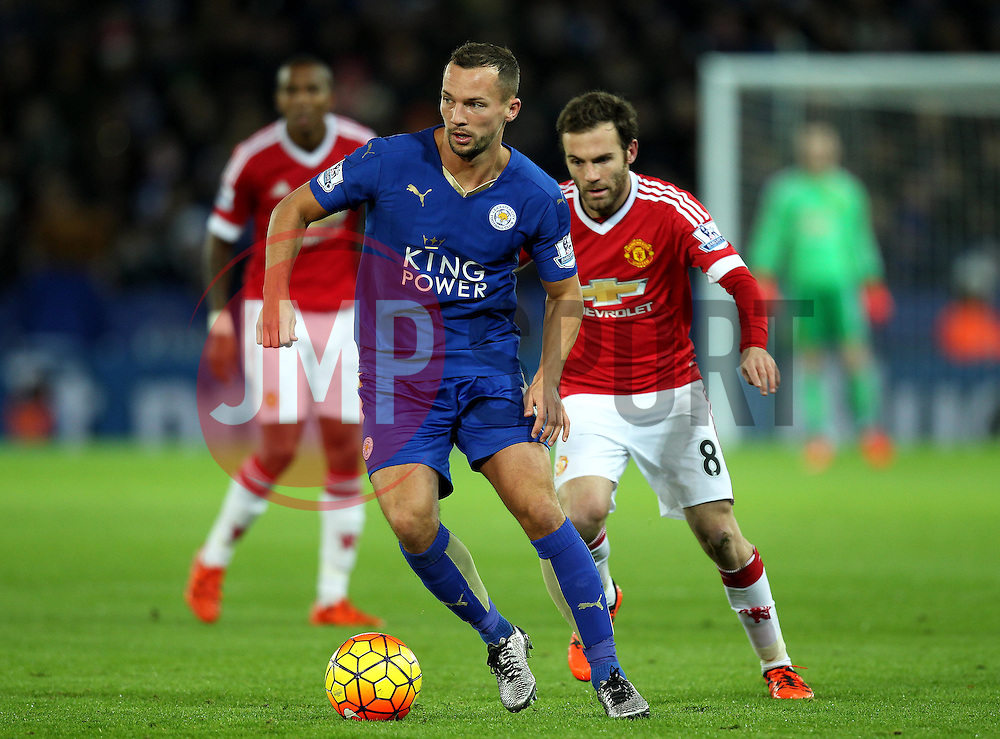 Daniel Drinkwater of Leicester City is put under pressure by Juan Mata of Manchester United - Mandatory byline: Robbie Stephenson/JMP - 28/11/2015 - Football - King Power Stadium - Leicester, England - Leicester City v Manchester United - Barclays Premier League
