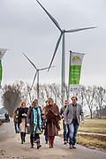 Koningin Maxima tijdens een werkbezoek aan het windmolenpark Nijmegen-Betuwe. Windpark Nijmegen-Betuwe is een burgerinitiatief en eigendom van inwoners uit de regio.  ///// Queen Maxima during a working visit to the windparc Nijmegen-Betuwe. Wind Parc Nijmegen Betuwe is a citizens and property of residents of the region.