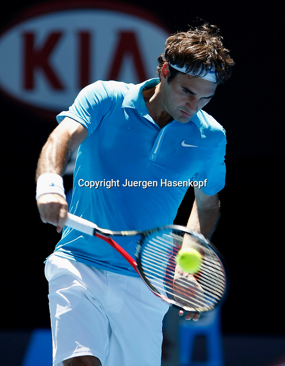 Australien, Melbourne, Sport, Tennis, Grand Slam Tournament, Melbourne Park, Australian Open 2010,..Roger Federer (SUI),..Foto: Juergen Hasenkopf..