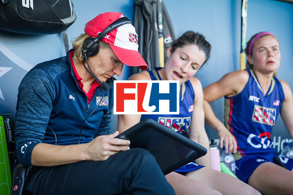 AUCKLAND - Sentinel Hockey World League final women<br /> Match id: 10304<br /> 15 USA v ENG (QF)<br /> Foto: Janneke SCHOPMAN Head Coach working.<br /> WORLDSPORTPICS COPYRIGHT FRANK UIJLENBROEK