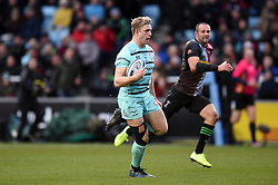 Ollie Thorley of Gloucester Rugby runs in a try in the first half - Mandatory byline: Patrick Khachfe/JMP - 07966 386802 - 01/12/2019 - RUGBY UNION - The Twickenham Stoop - London, England - Harlequins v Gloucester Rugby - Gallagher Premiership