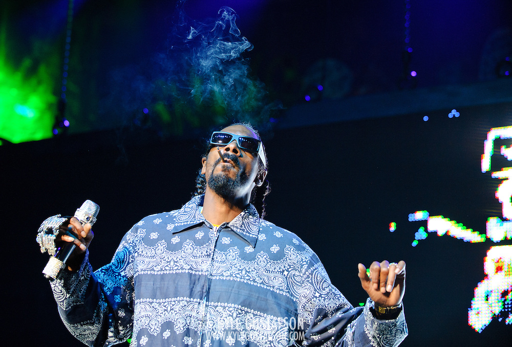 Columbia, MD - August 30th, 2010:  Snoop Dogg arrived at the venue late and took the stage just before 11 p.m. after performing earlier in the afternoon in New York City. (Photo by Kyle Gustafson/For The Washington Post)