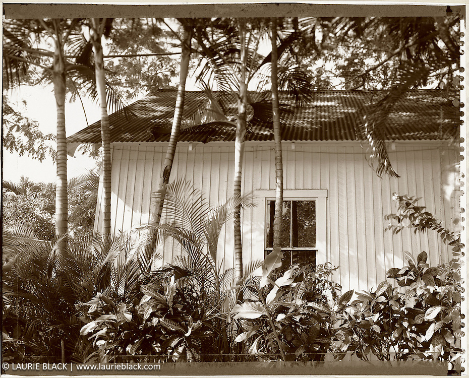 Hawaiian cottage exterior