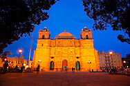 Oaxaca, Mexico, October 2005. Nightlife in Oaxaca. Mexico is a colorful country with remnants of many ancient civilisations, mixed cultures, and two oceans. Photo by Frits Meyst/Adventure4ever.com