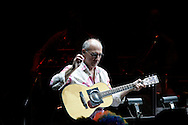 Larry Carlton performs during the Rainforest Foundation's benefit concert at Carnegie Hall in New York May 19, 2006. Photo By Keith Bedford