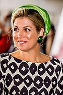 26-6-2017 AMSTERDAM - Koningin Maxima is op maandag 26 juni 2017 aanwezig bij het Derde Congres van de European Academy of Neurology (EAN) in Amsterdam.<br /> Het EAN Congres omvat alle onderwerpen uit de neurologie, zoals beroerte, epilepsie, (hoofd)pijn, bewegingsstoornissen, multiple sclerose, dementie, neuromusculaire aandoeningen, maar ook andere specialistische onderwerpen en zeldzame neurologische ziekten. In ruim tachtig sessies presenteren deskundigen&nbsp; trends en hoogtepunten van moderne neurologische onderzoeken en therapie&euml;n en worden nieuwe wetenschappelijke ontdekkingen toegelicht.COPYRIGHT ROBIN UTRECHT <br /> 26-6-2017 AMSTERDAM - Queen Maxima is present at the Third Congress of the European Academy of Neurology (EAN) in Amsterdam on Monday, June 26, 2017.<br /> The EAN Congress includes all subjects of neurology such as stroke, epilepsy, (head) pain, movement disorders, multiple sclerosis, dementia, neuromuscular disorders, but also other specialist subjects and rare neurological diseases. In over eighty sessions, experts present trends and highlights of modern neurological research and therapies, and new scientific discoveries are explained. COPYRIGHT ROBIN UTRECHT