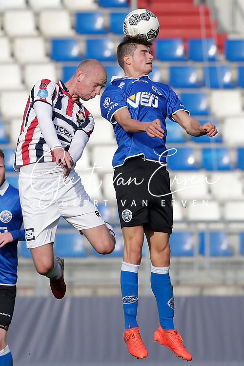 *Elmo Lieftink* of Willem II, *Giorgio Siani* of FC Den Bosch