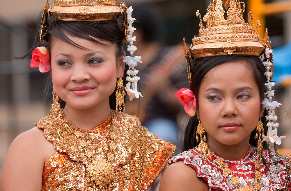 18897The International Street Fair  May 17th, 2008...Right to Left:...Sayoth Yun.Sinna Korm