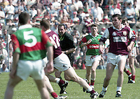 Galway v Mayo in the Connacht GAA Final in Croke Park, 23/07/1995.<br /> (Part of the Independent Newspapers Ireland/NLI Collection).