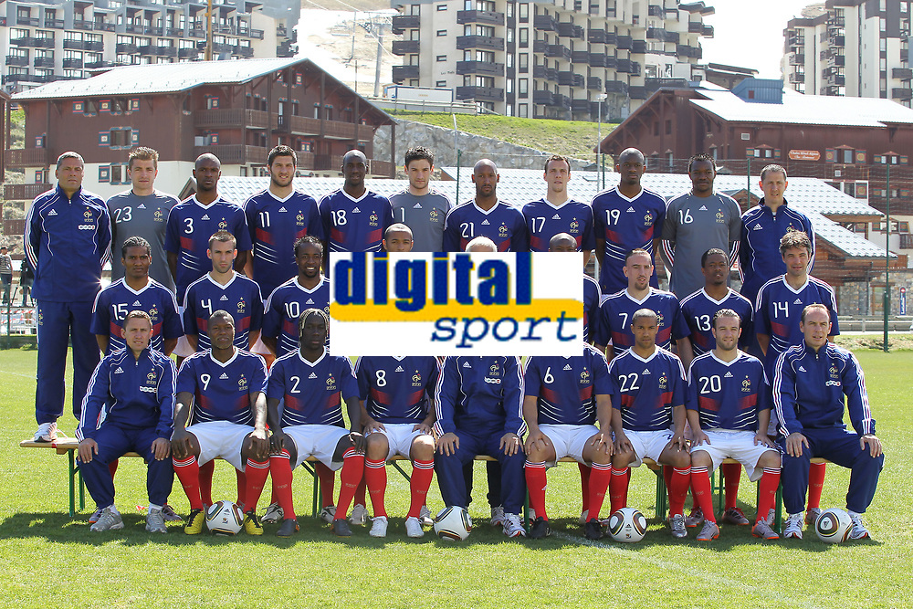 FOOTBALL - MISCS - FIFA WORLD CUP 2010 - FRANCE TEAM OFFICIAL PRESENTATION - 25/05/2010 - PHOTO ERIC BRETAGNON / DPPI - 1ST ROW LEFT TO RIGHT: ROBERT DUVERNE (PHYSICAL COACH) / DJIBRIL CISSE / BACARY SAGNA / YOANN GOURCUFF / RAYMOND DOMENECH (COACH) / MARC PLANUS / GAEL CLICHY / MATHIEU VALBUENA / ALAIN BOGHOSSIAN (ASSISTANT COACH). 2ND ROW: FLORENT MALOUDA / ANTHONY REVEILLERE / SIDNEY GOVOU / THIERRY HENRY / PIERRE MANKOWSKI (ASSISTANT COACH) / WILLIAM GALLAS / FRANCK RIBERY / PATRICE EVRA / JEREMY TOULALAN. 3RD ROW: BRUNO MARTINI (GOALKEEPERS COACH) / CEDRIC CARRASSO / ERIC ABIDAL / ANDRE PIERRE GIGNAC / ALOU DIARRA / HUGO LLORIS / NICOLAS ANELKA / SEBASTIEN SQUILLACI / ABOU DIABY / STEVE MANDANDA / FABRICE GRANGE (GOALKEEPERS ASSISTANT COACH)