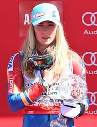 18.03.2017, Aspen, USA, FIS Weltcup Ski Alpin, Finale 2017, Slalom, Damen, Siegerehrung, im Bild Mikaela Shiffrin (USA, 2. Platz und Slalom-Weltcupsiegerin)z) // second placed and Slalom World Cup winner Mikaela Shiffrin of the USA during the winner award ceremony for the ladie's Slalom of 2017 FIS ski alpine world cup finals. Aspen, United Staates on 2017/03/18. EXPA Pictures © 2017, PhotoCredit: EXPA/ Erich Spiess