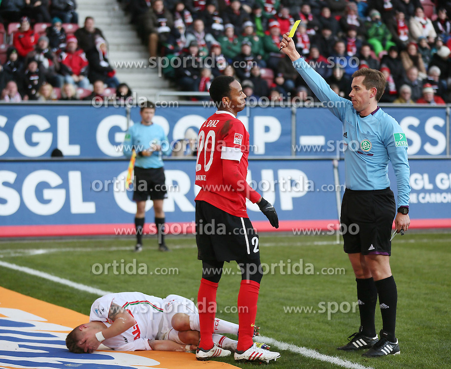 10.02.2013, SGL Arena, Augsburg, GER, 1. FBL, FC Augsburg vs 1. FSV Mainz 05, 21. Runde, im Bild Foul an Ronny PHILP (FC Augsburg) und Gelbe Karte gegen Junior DIAZ (FSV Mainz 05), Schiedsrichter Tobias STIELER // during the German Bundesliga 21th round match between FC Augsburg and 1. FSV Mainz 05 at the SGL Arena, Augsburg, Germany on 2013/02/10. EXPA Pictures © 2013, PhotoCredit: EXPA/ Eibner/ Klaus Rainer Krieger..***** ATTENTION - OUT OF GER *****