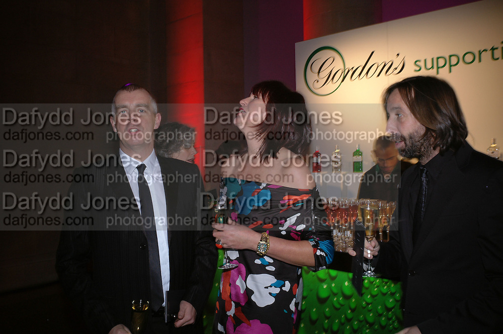 Neil Tennant, Janet Street-Porter and David Dorrell. Turner Prize 2005. Tate Britain.   5 December  2005. ONE TIME USE ONLY - DO NOT ARCHIVE  © Copyright Photograph by Dafydd Jones 66 Stockwell Park Rd. London SW9 0DA Tel 020 7733 0108 www.dafjones.com