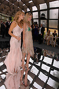 Tanit Phoenix and Landi Schoenpoel. The Serpentine Summer party co-hosted by Jimmy Choo. The Serpentine Gallery. 30 June 2005. ONE TIME USE ONLY - DO NOT ARCHIVE  © Copyright Photograph by Dafydd Jones 66 Stockwell Park Rd. London SW9 0DA Tel 020 7733 0108 www.dafjones.com