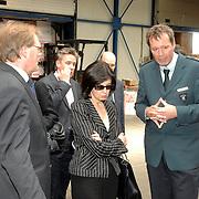 NLD/Zwijndrecht/20070423 - EU commisaris Kuneva bezoekt de 100% controle van de Nederlandse Antillen door de douane in de Rotterdamse haven
