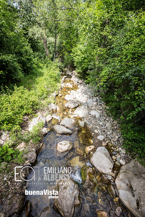 San Fele, Basilicata, Italia, 10/06/2016<br /> Il torrente Bradano che d&agrave; origine alle naturali e suggestive cascate di San Fele.<br /> <br /> San Fele, Basilicata, Italy, 10/06/2016<br /> The Bradano creek that gives rise to the natural and beautiful waterfalls of San Fele .