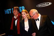AMSTERDAM - In Pathé Tuschinski is de Nederlandse film 'Het Diner' in premiere gegaan. Met hier op de foto  v.l.n.r. Menno Meyjes, Thekla Reuten en Herman Koch. FOTO LEVIN DEN BOER - PERSFOTO.NU